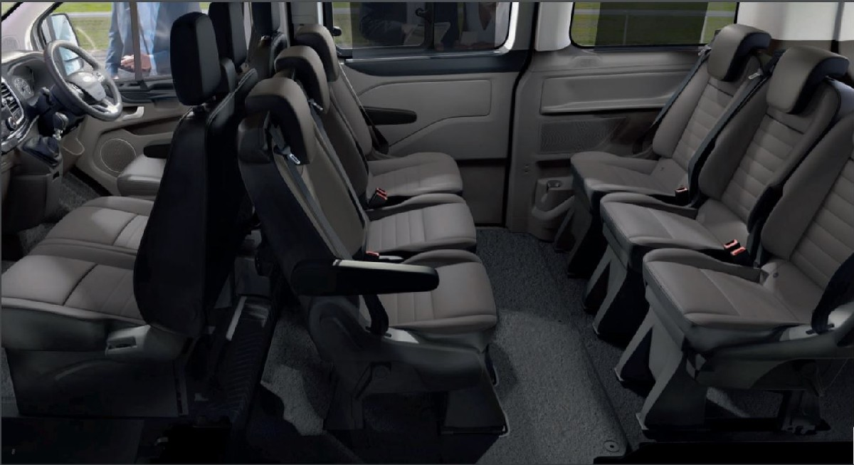 Xe Ford Tourneo nội thất